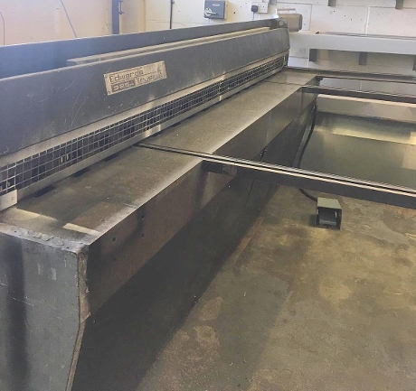 edwards truecut dd guillotine, used edwards pearson shear, used guillotines, usede shears, sheet metal machinery, new guillotines, fabrication machinery, new guillotine blades,