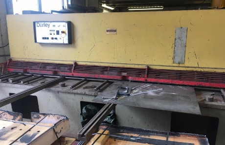 used guillotines, used shers, darley guillotines, 6mm guillotines, 3 metre x 6mm shears, used sheet metal machinery, used fabrication machines, metalworking machinery, new guillotine shears